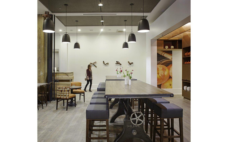 hotel-indigo-sav-cafe-table-new
