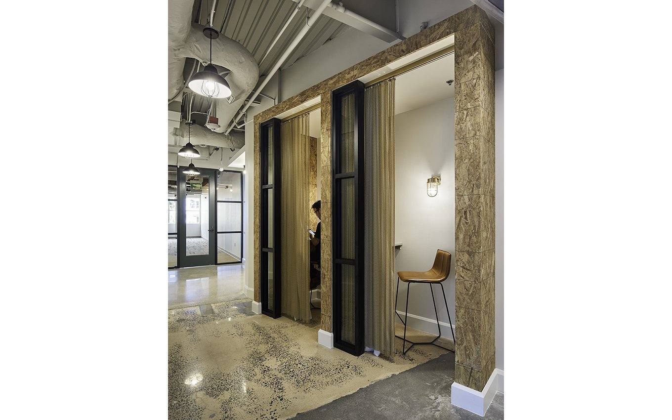 cowork-innovation-suites-phone-booths